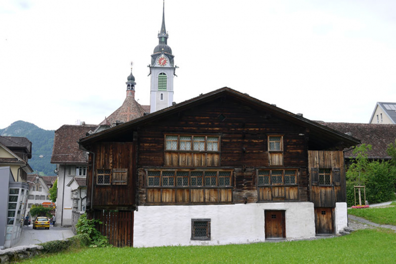 Bethlehem House in Schwyz is the oldest timber house in Europe. The wood used to build it most likely came from the surrounding forest at that time.