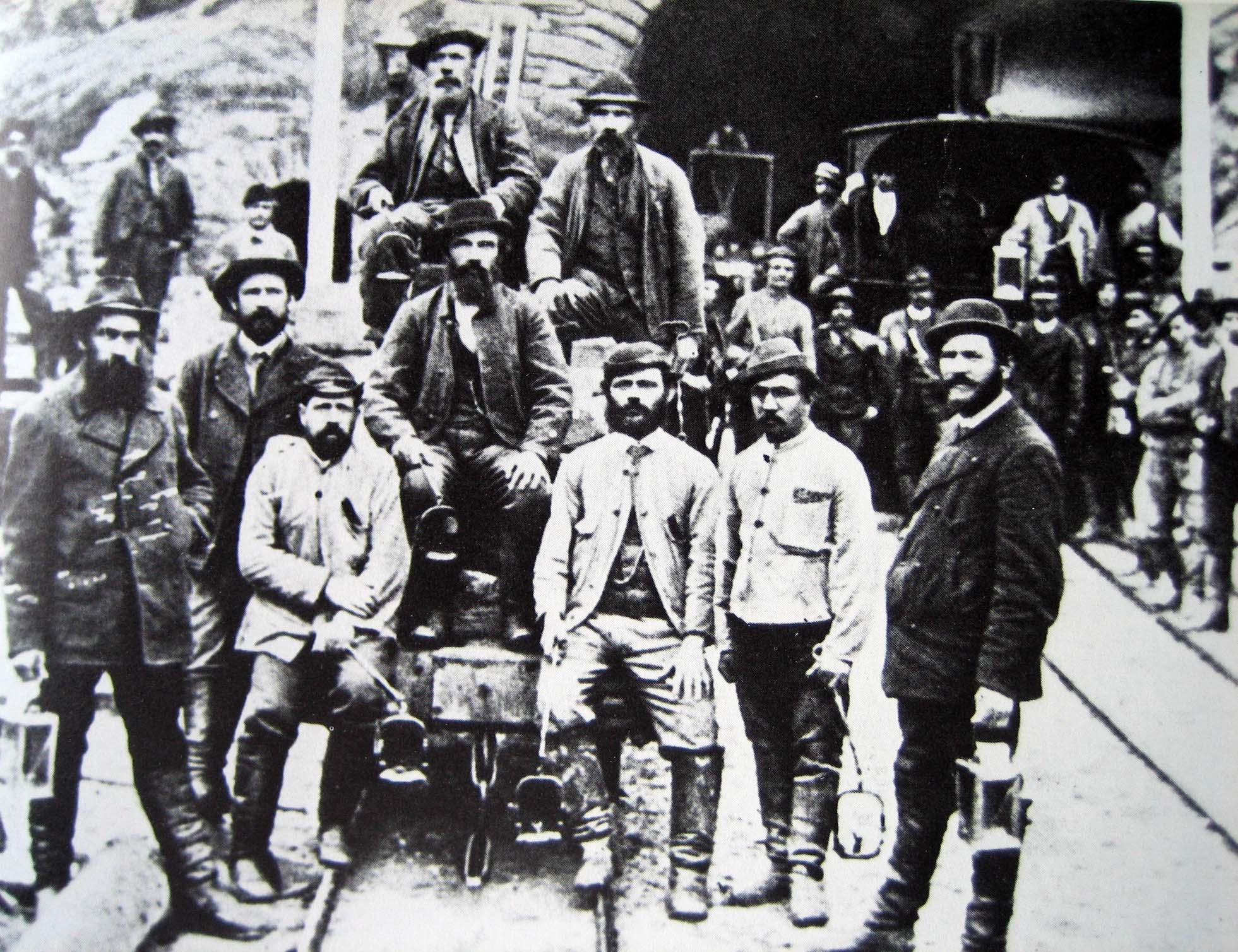Construction workers around 1880 outside the southern portal of the Gotthard Tunnel in Airolo