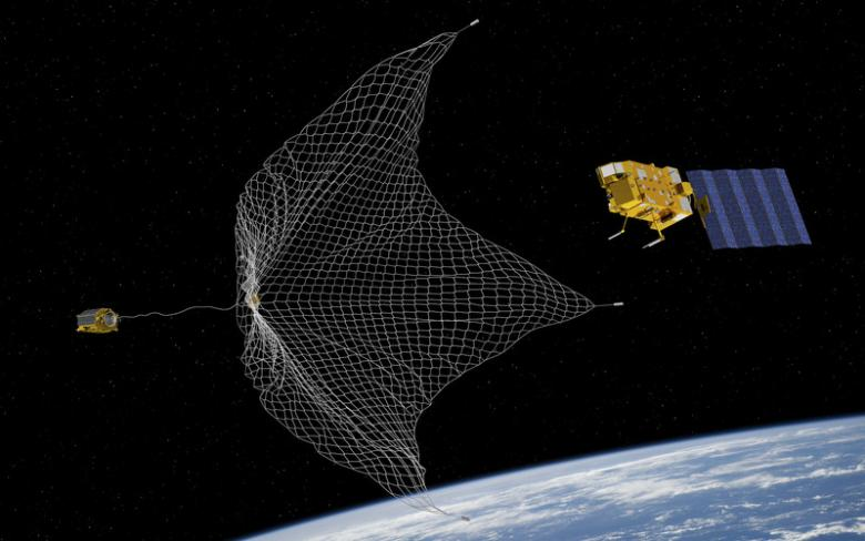 The European Space Agency is at the forefront of this clean-up. Since May 2018, the agency has been testing various solutions as part of its 'RemoveDEBRIS' mission, the most promising of which is Swiss. (ESA)