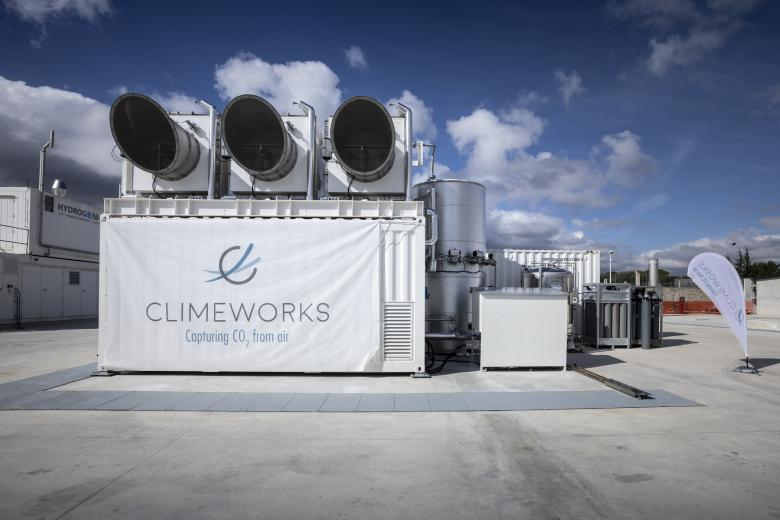 7.	In October 2018, Climeworks opened a third site in Apulia, Italy. Here, CO2 is combined with hydrogen produced using a renewable energy source – photovoltaic electricity – which produces natural gas that can be used as fuel for trucks.